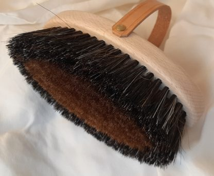 bio-brosse en cuivre pour le massage du corp